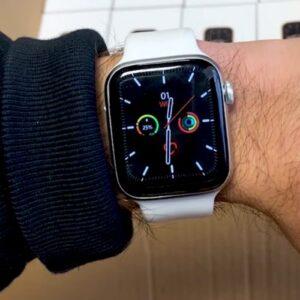 Smartwatch bianco photo review